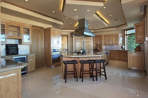 Nicholas Cage VillaFreshome08 Nicholas Cages Former Las Vegas Residence Up for Sale for $8,9 Million