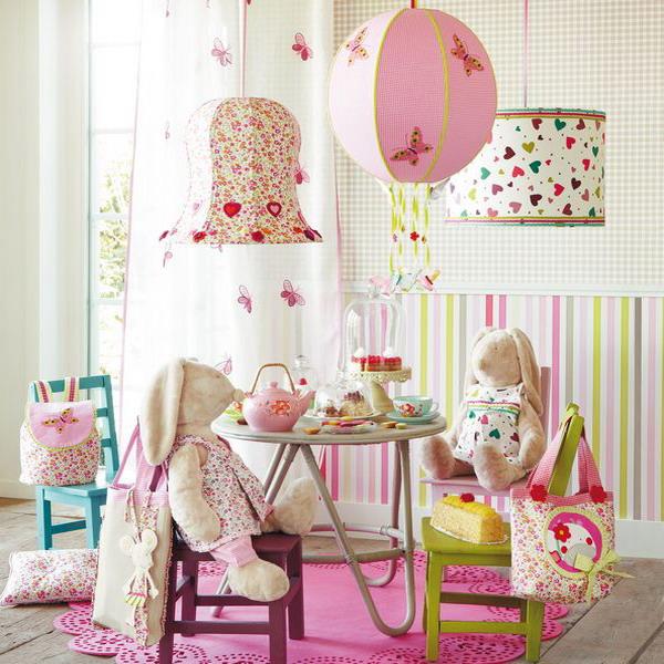 Как своими руками украсить комнату для девочки 7