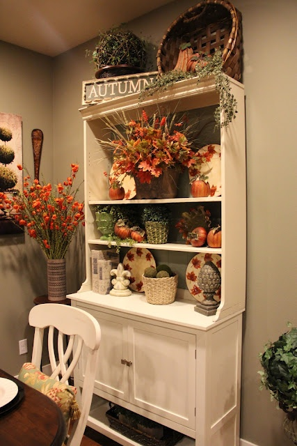 beautiful-and-cozy-fall-dining-room-decor-ideas-30