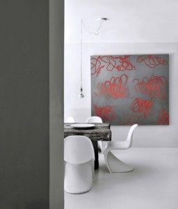 stunning-grey-and-white-house-with-cool-art-touches-5-554x648