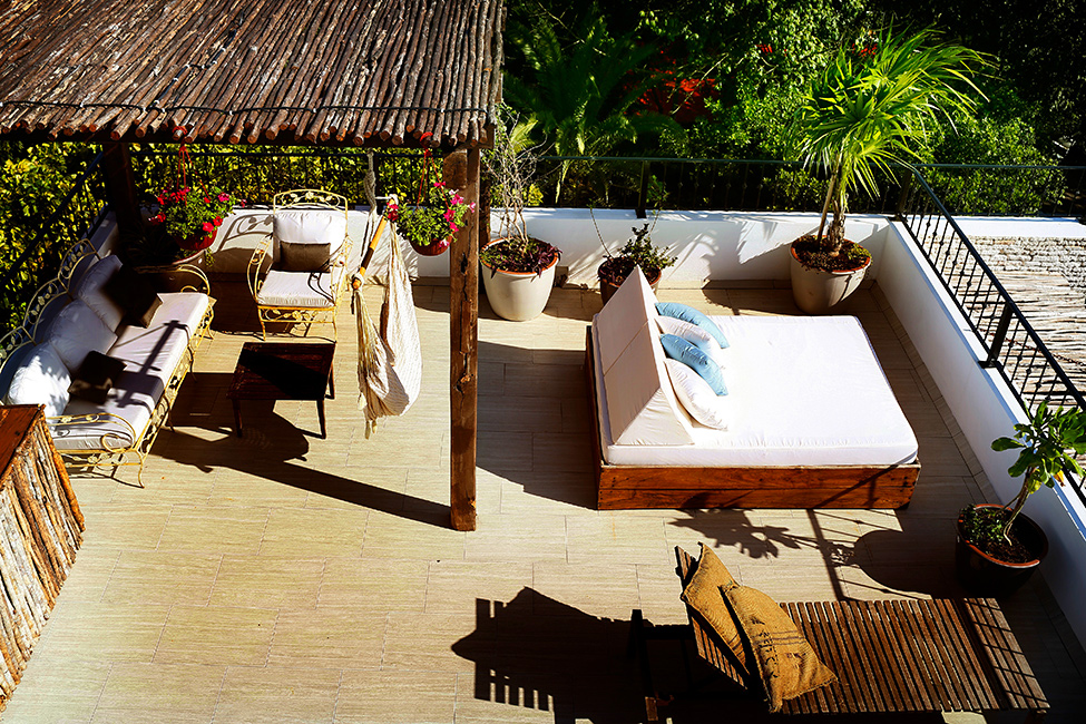 hotel la semilla holiday vacation porch. Black Bedroom Furniture Sets. Home Design Ideas