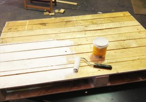 pallet-coffee-table-tutorial-3