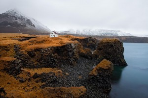 20-Perfect-Lonely-Little-Houses-Blending-in-Nature-For-The-Quiet-Calm-Solitary-Souls-homesthetics-6