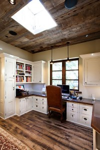 Ceilng-design-adds-to-the-style-of-the-rustic-home-office
