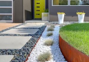 unique-texture-landscape-front-house
