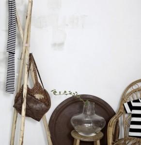 06-Rustic-Coat-Hanger-DIY
