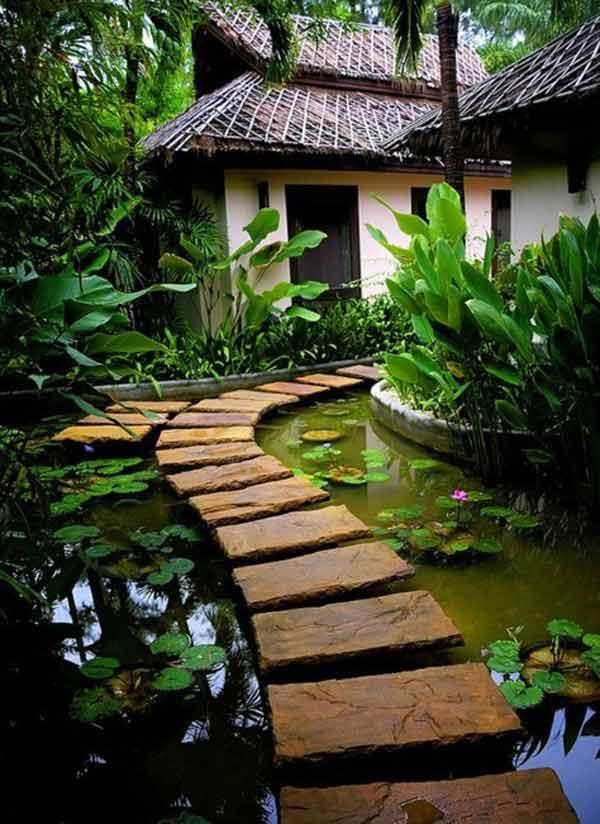 градинска пътека с вода