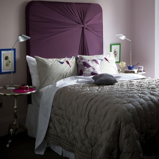 лилава табла за легло