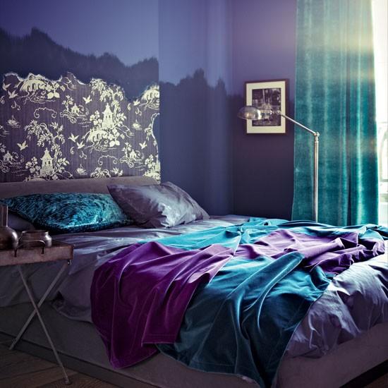 лилаво-и-синьо-в-спалнята