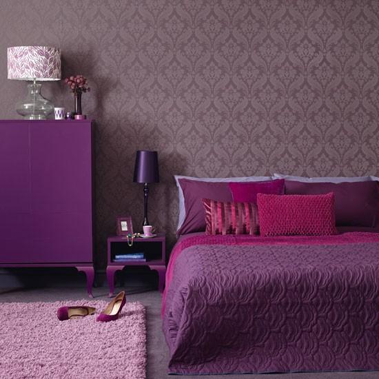лилаво-в-спалнята