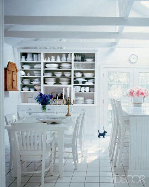 романтична кухня в бяло