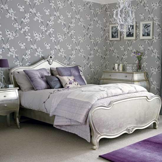 романтично лилаво в спалнята