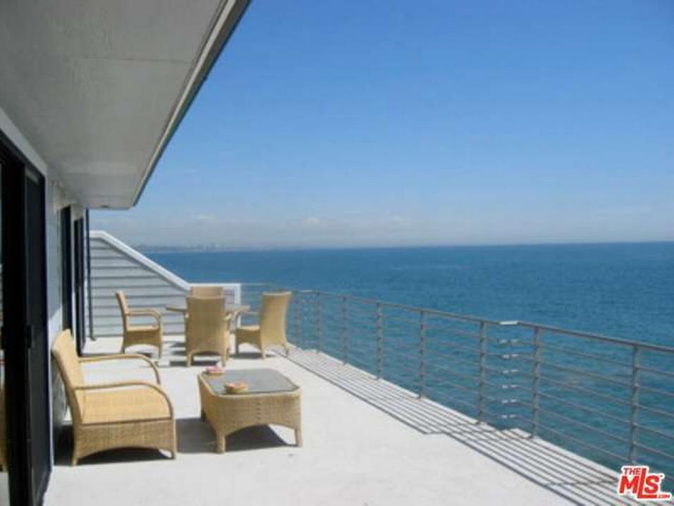 тераса с гледка към океана