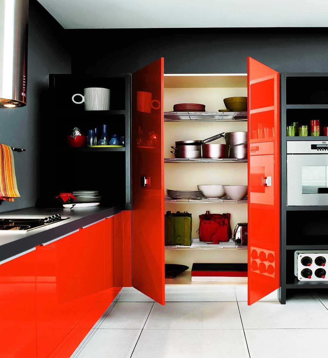 кухня в червено и черно