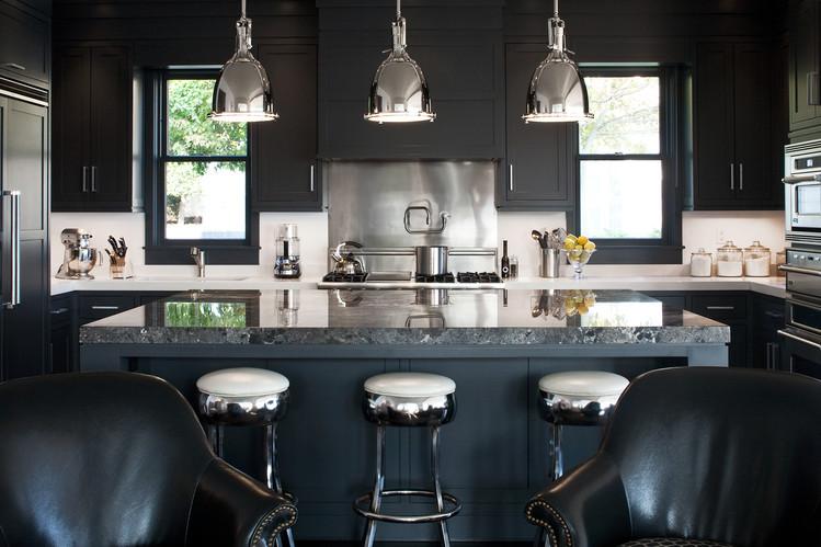 модерна черна кухня 15