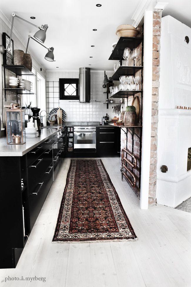 модерна черна кухня 2