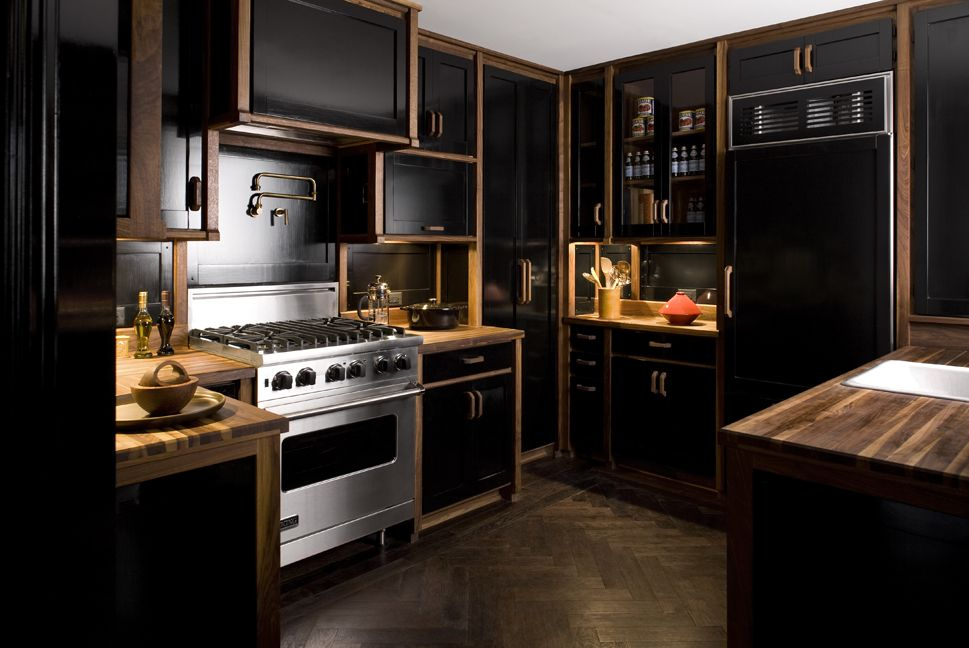 модерна черна кухня 7