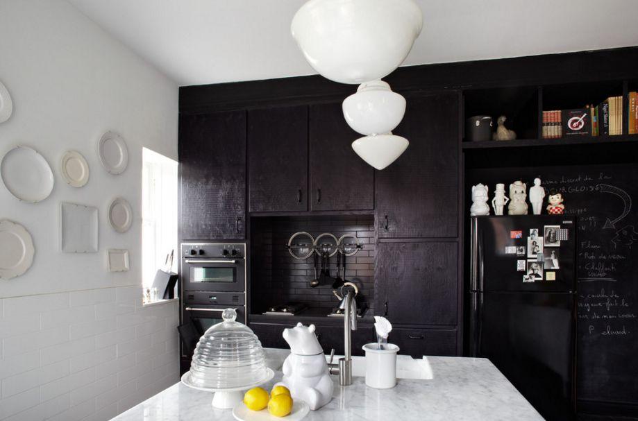 модерна черна кухня 8