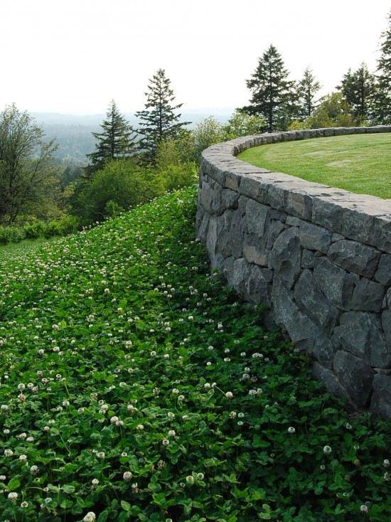 подпорна стена в градината