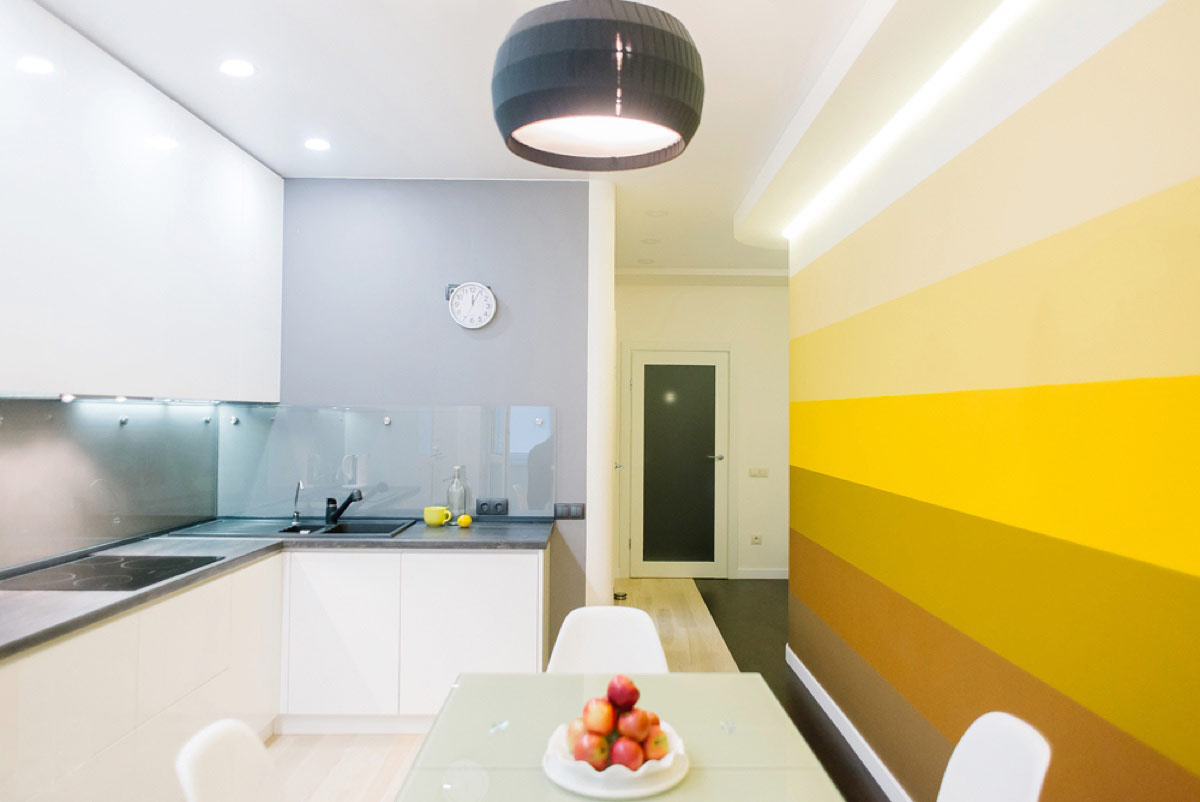 gradient-yellow-kitchen-accent-wall