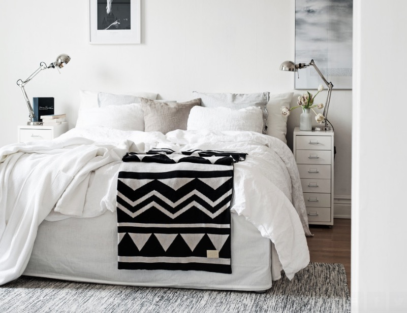 white-bedroom-small-1