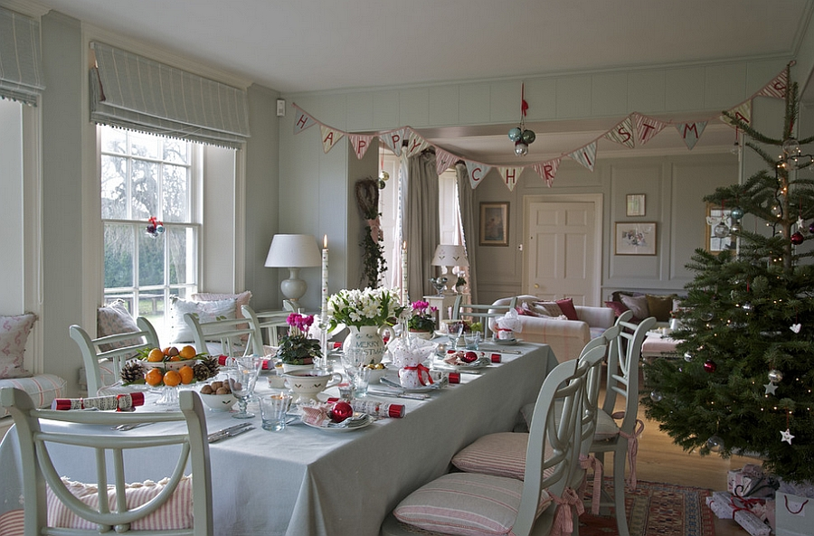 farmhouse-style-dining-space-with-classy-christmas-decorations